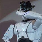 mRobo, robotul care danseaza ca Michael Jackson (VIDEO)