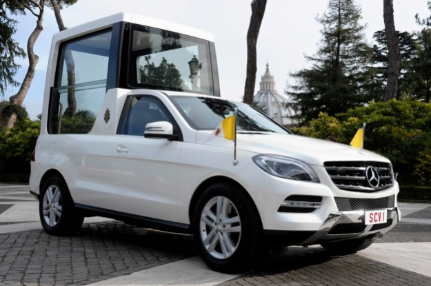 mercedes-benz-delivers-new-m-class-popemobile-625x1000