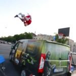 People Are Awesome! Cea mai spectaculoasa colectie de cascadorii din 2013 (VIDEO)