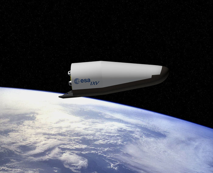 primul avion spatial