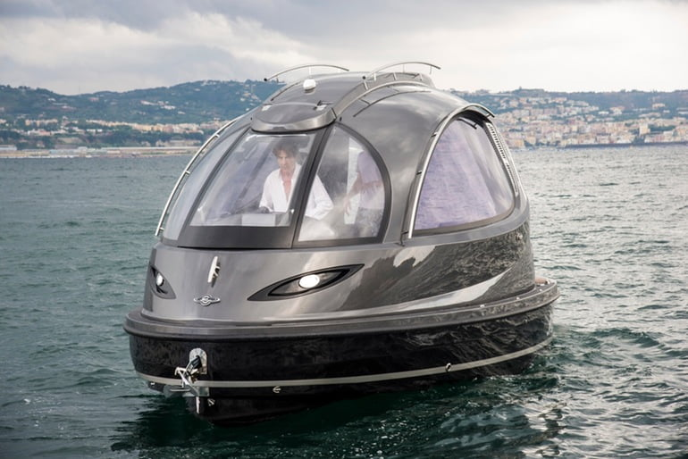 Lazzarini Jet Capsule. Un mini iaht plin de tehnologie (VIDEO)
