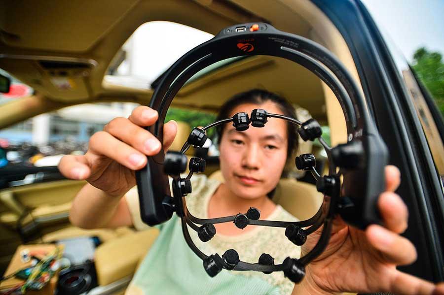 Maşina-condusă-cu-puterea-gândului